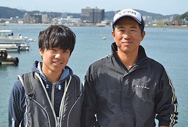 襷(タスキ)「WEAR IT! ライフジャケットを着よう!」プロジェクトが、ライフジャケットで助かった経験のある方のインタヴュー動画を公開しました。 プレジャーボート、漁船、手こぎボートで、ライフジャケットを着ていて助かった5人が、それぞれの生きた体験や想いを勇気をもって伝えてくれています。ぜひご覧ください。